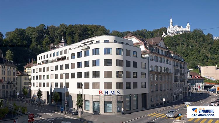 trường BHMS Thụy Sĩ