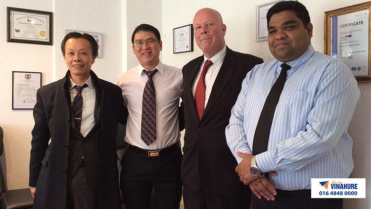 vinahure cùng ban giám hiệu trường Swiss Im&H