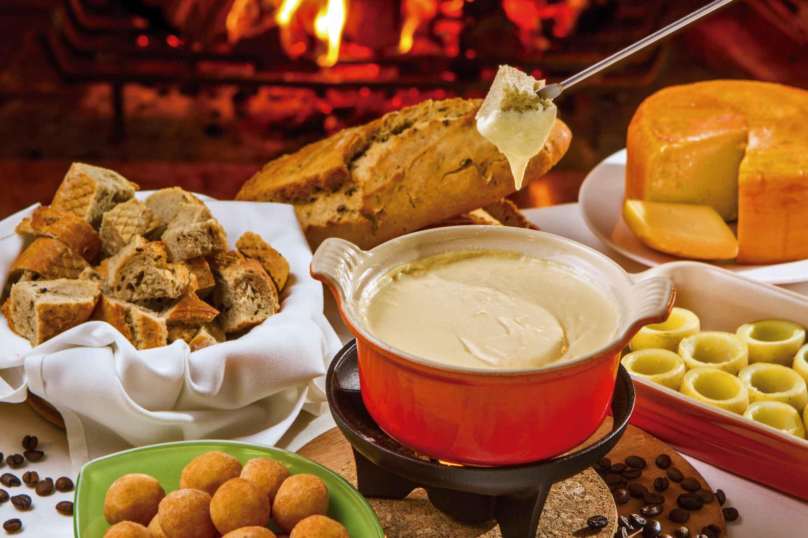 https://duhocthuysi.net/wp-content/uploads/2018/11/Campos-do-Jordao-Gastronomia-Restaurante-Charpentier-Fondue-bx.jpg